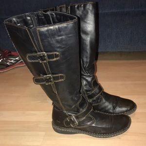 Ladies B.O.C  by Born brown leather boots sz 10